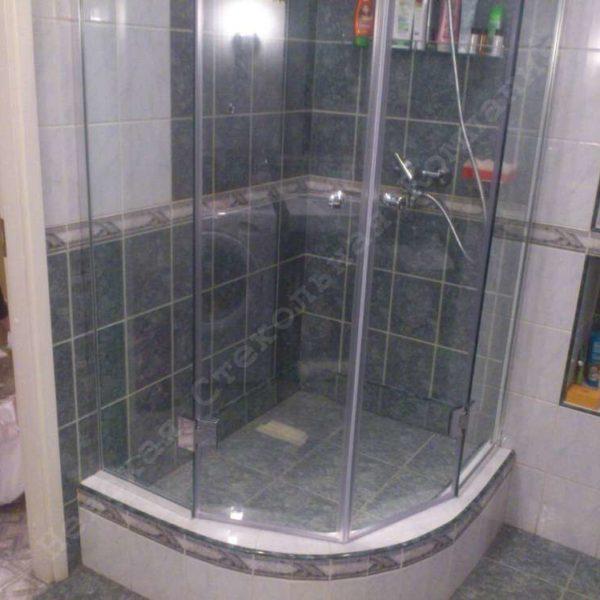 Стеклянная душевая перегородка с двумя распашными дверьми - 02