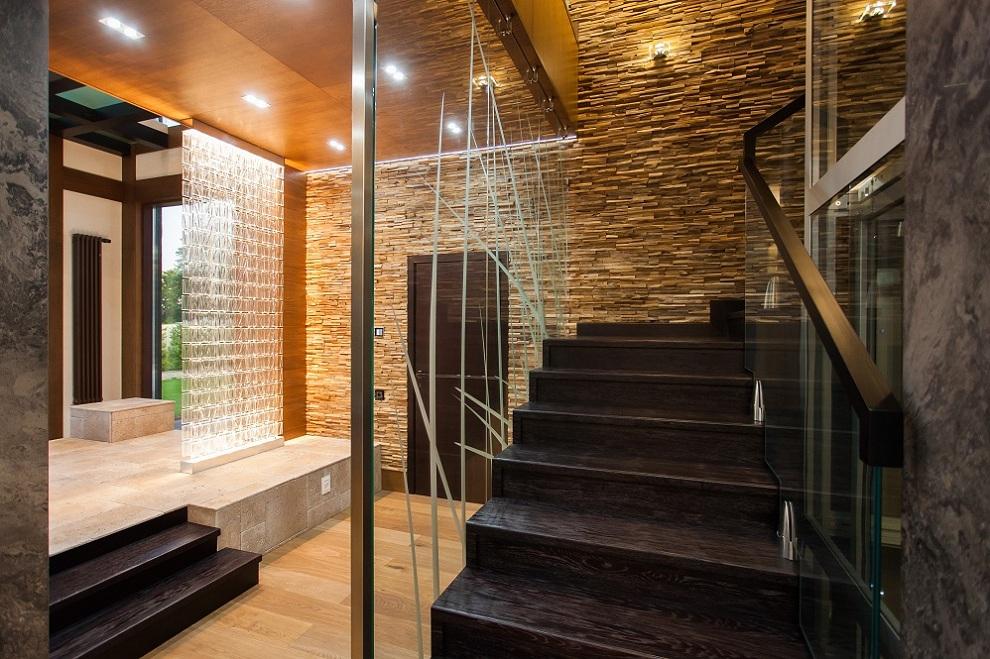 Стеклянные конструкции в частный коттедж